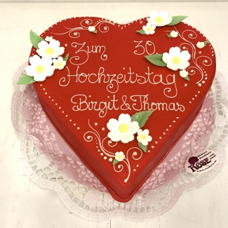 Hochzeitstorte Herz rot Bäckerei Rose Weimar