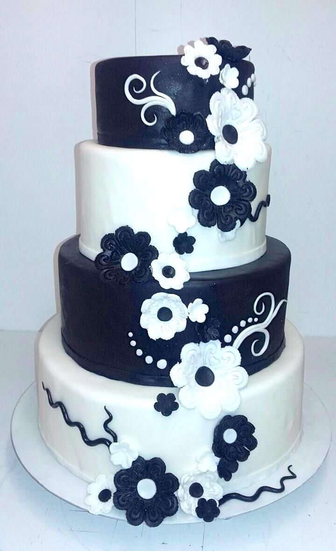 Hochzeitstorte schwarz weiß Bäckerei Konditorei Rose